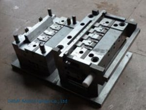 What should I paid attention to in the production of plastic Molds?