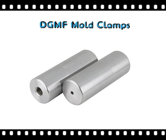 Support pillars for injection molding machine mold components